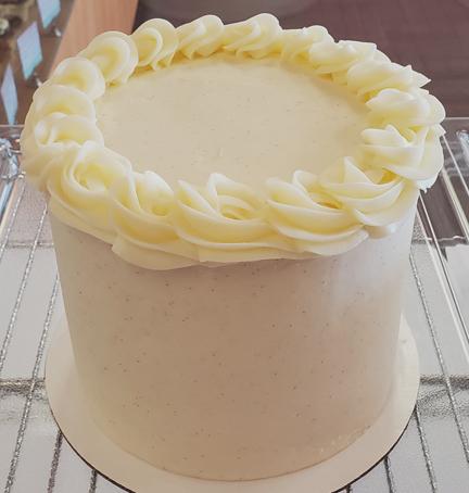 Rosette Border Cake